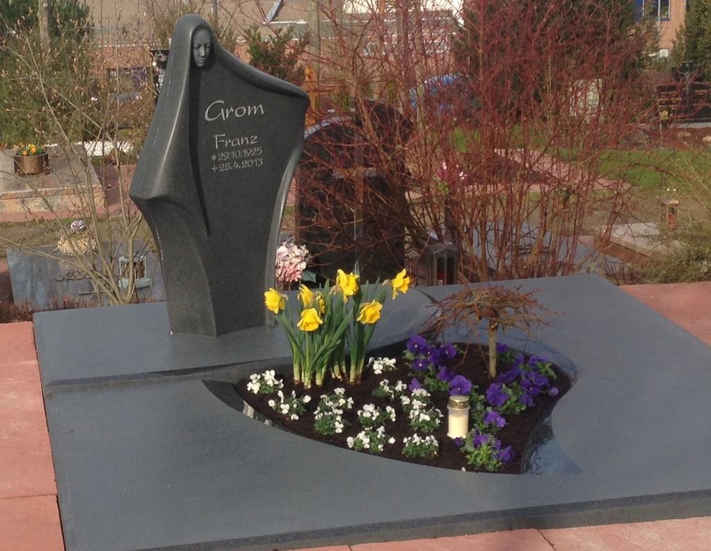 Doppelgrabstein-Beispiel-Familiengrab-Boese-Naturstein